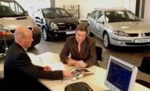 El mercado automovilístico cierra el semestre con una caída del 8% y en niveles de hace casi 20 años