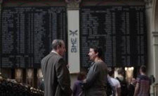 La confianza de los inversores españoles en mínimos históricos, mientras ven más lejos el final de la crisis