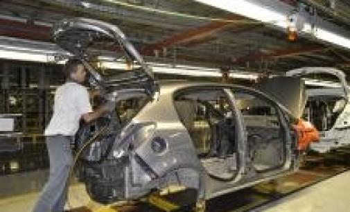 La crisis se ha llevado por delante 124.000 empleos en el sector del automóvil