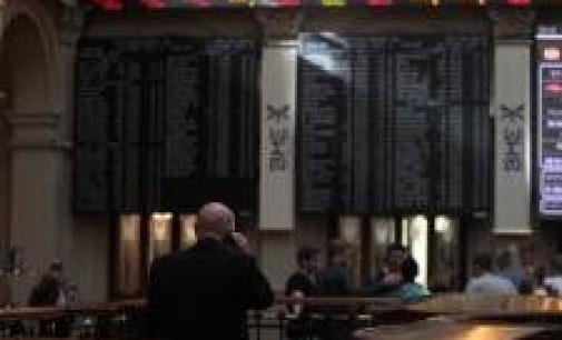 El Ibex abre plano por debajo de 9.300 enteros, con la prima en 228 puntos
