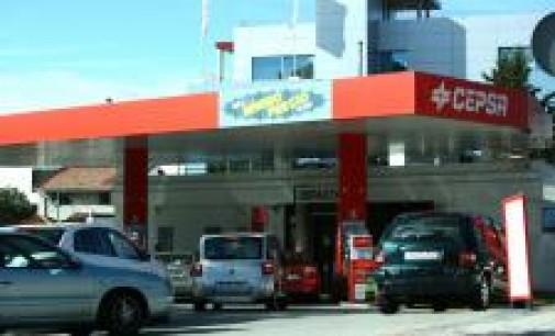 El precio de la gasolina marca máximos del año a una semana del inicio de las vacaciones