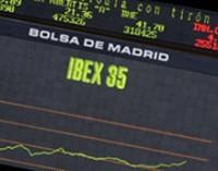 El Ibex mantiene las ganancias a media sesión (+0,8%), con la prima en los 230 puntos básicos