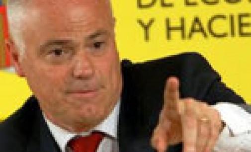 El Gobierno garantiza que España reducirá el déficit al 6%, a pesar de las dudas del FMI