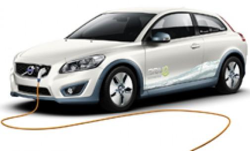 El Congreso pide al Gobierno fondos para fomentar la compra de vehículos eléctricos y apoyos fiscales