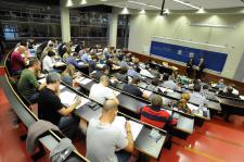 Empleados de CaixaBank en el examen de Posgrado de Asesoramiento Financiero