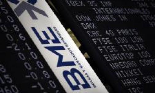 El Ibex 35 cede un 0,86% en la media sesión contagiado por Grecia