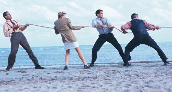 Aplicar factor de protección contra las quemaduras del trabajo en el verano