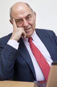 José Antonio Marina, filósofo y pedadogo autor del libro Tratado de filosofía Zoom