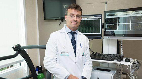 Dr. Roberto Martín-Reyes, Jefe de Servicio de Cardiología Hospital La Luz. Cardiólogo Intervencionista y Clínico en Hospital Universitario Fundación Jiménez Díaz (Grupo Quirónsalud).