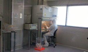 Sala Blanca para el abordaje oncológico.