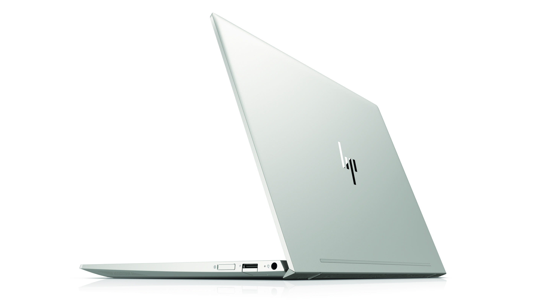 HP ENVY 13 disponible en oro pálido o plata natural.