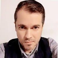 Adrian Ruiz, CEO  Sede en China