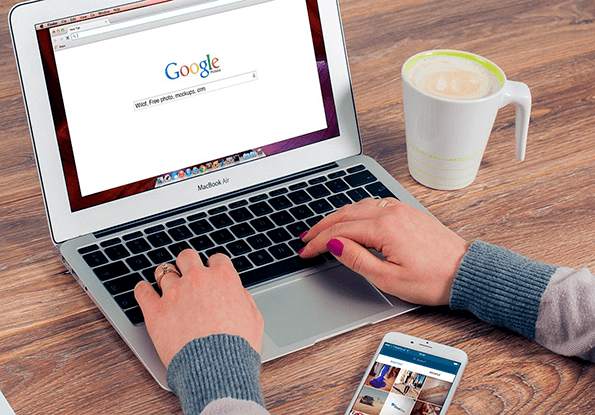 Buscando en Google.