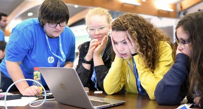HP CodeWars, la competición para impulsar el talento STEM en los jóvenes