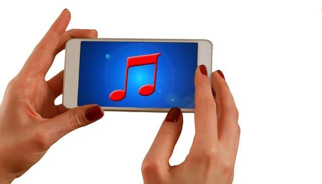 Radio online en el móvil.