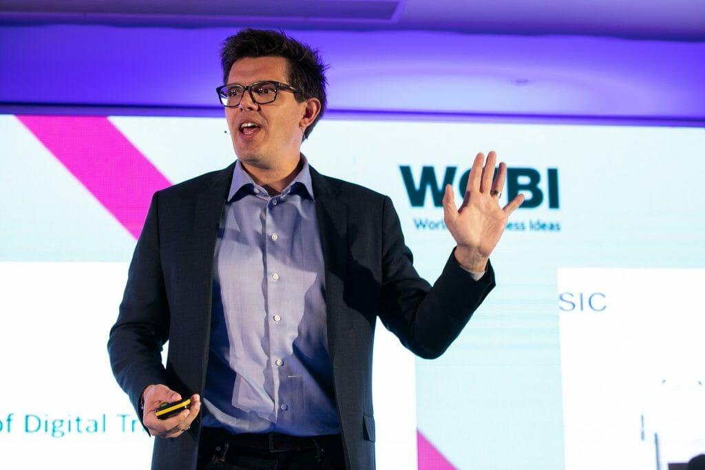Nathan Furr, líder en transformación digital e innovación.