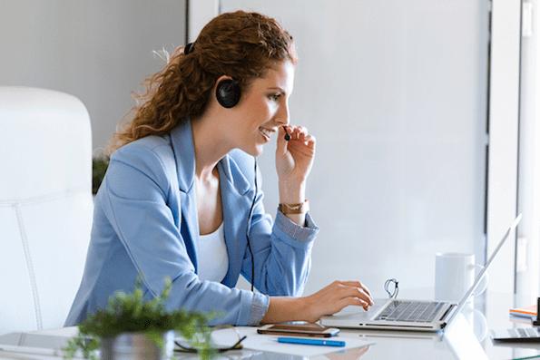 Un emprendedor debe contar con una buena herramienta CRM. El CRM almacena información relevante de los contactos.