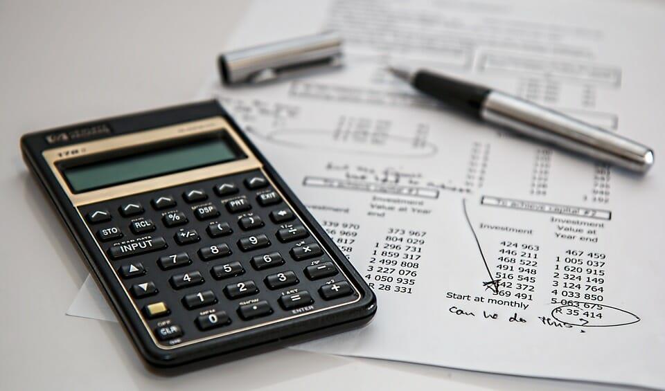 La formación financiera de Alfio Bardolla es accesible para todos los públicos.