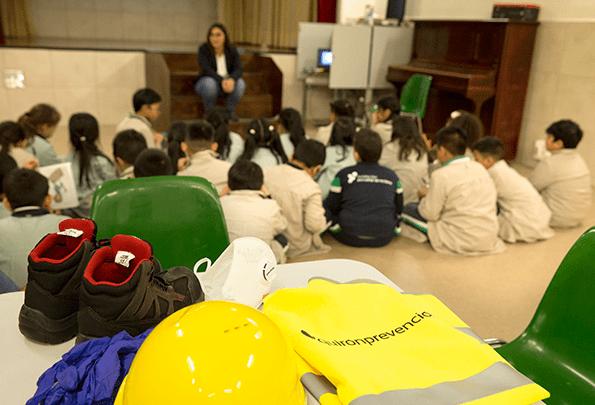 Quirónprevención desarrolla la acción Aprendiendo desde pequeños en los colegios españoles.