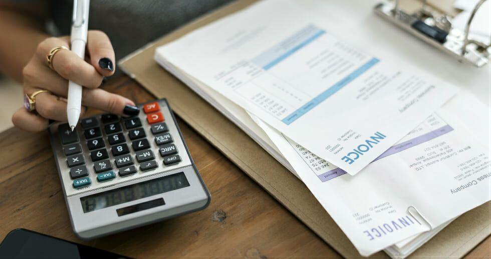 El uso de la factura electrónica en salud es escaso.