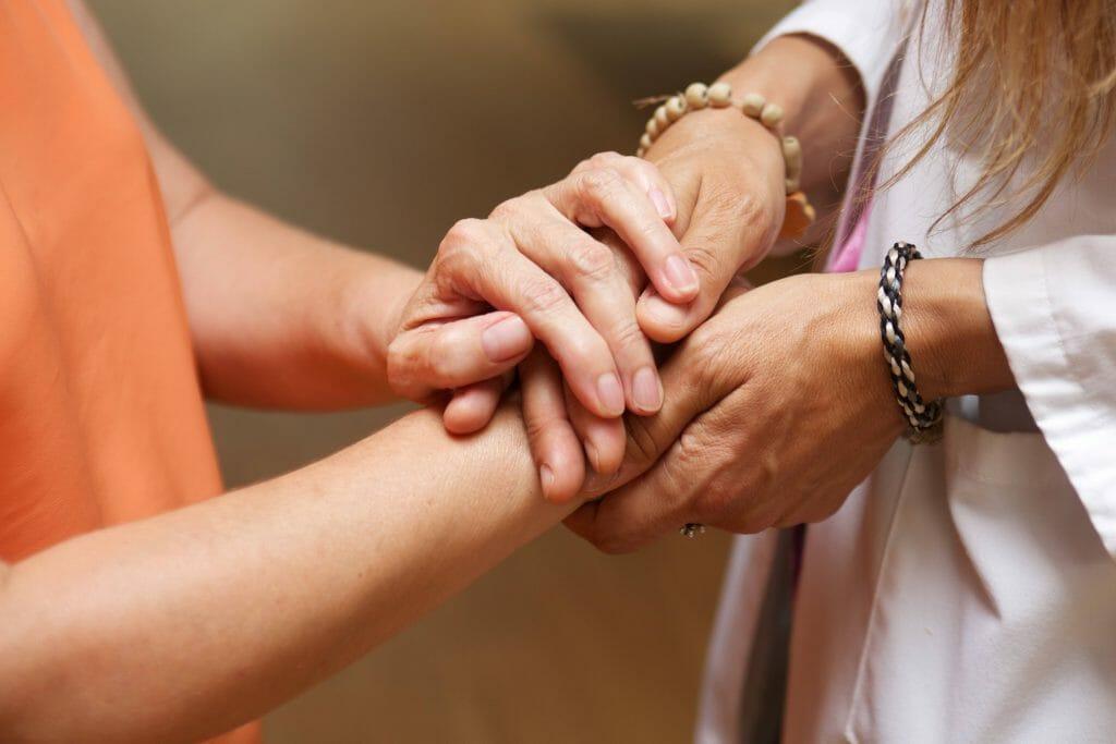"""El Programa para la Atención Integral a Personas con Enfermedades Avanzadas de """"la Caixa"""" cumple sus primeros diez años de trayectoria."""