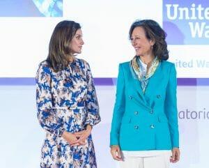 Ana Botín y la Reina Letizia en la entrega de Premios de Proyectos Sociales Santander 2019.