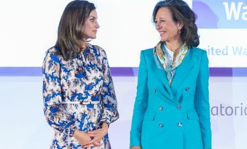 Ana Botín y la Reina Letizia entregan los premios a los Proyectos Sociales más destacados