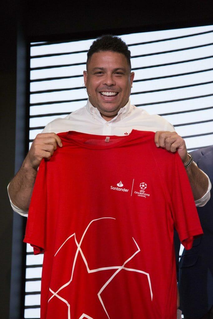 Ronaldo es el embajador de patrocinios de fútbol del Banco Santander.