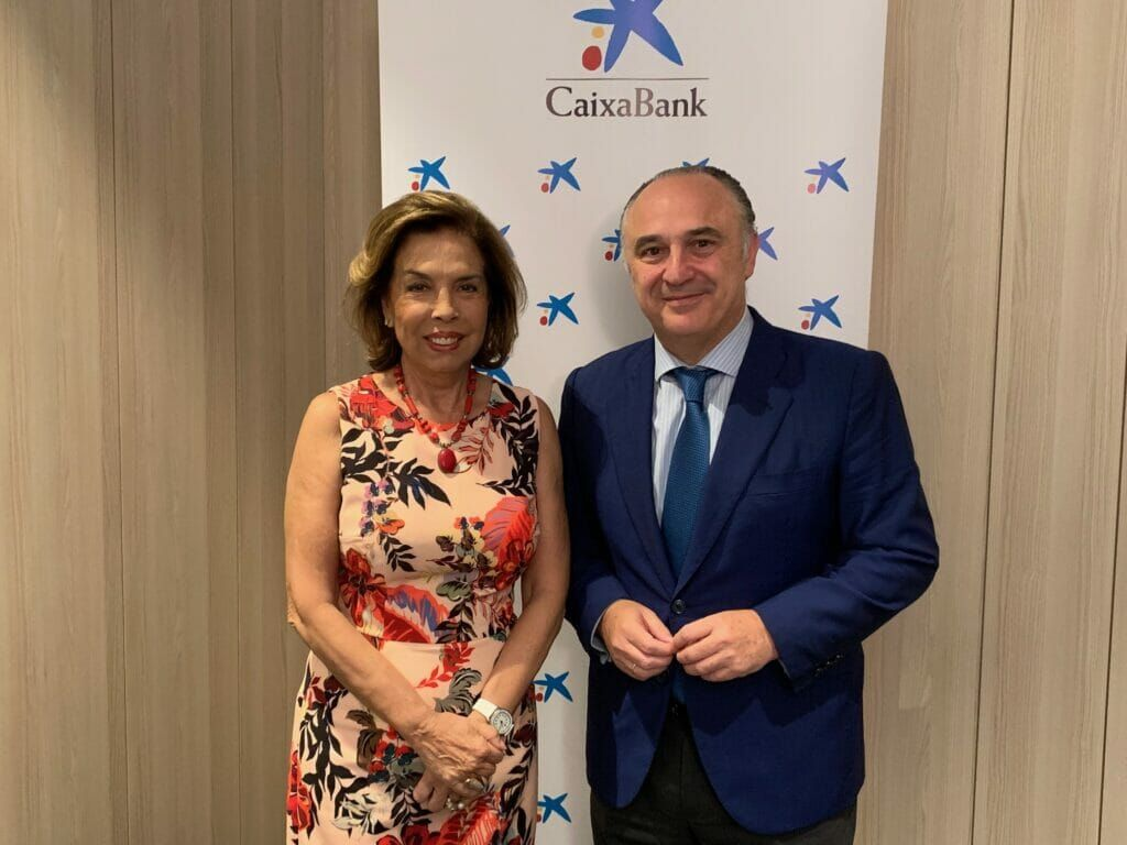 María Dolores Ciurana (Faccsa) con Juan Ignacio Zafra (CaixaBank).