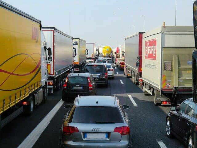 Logística, transporte de mercancías por carretera.