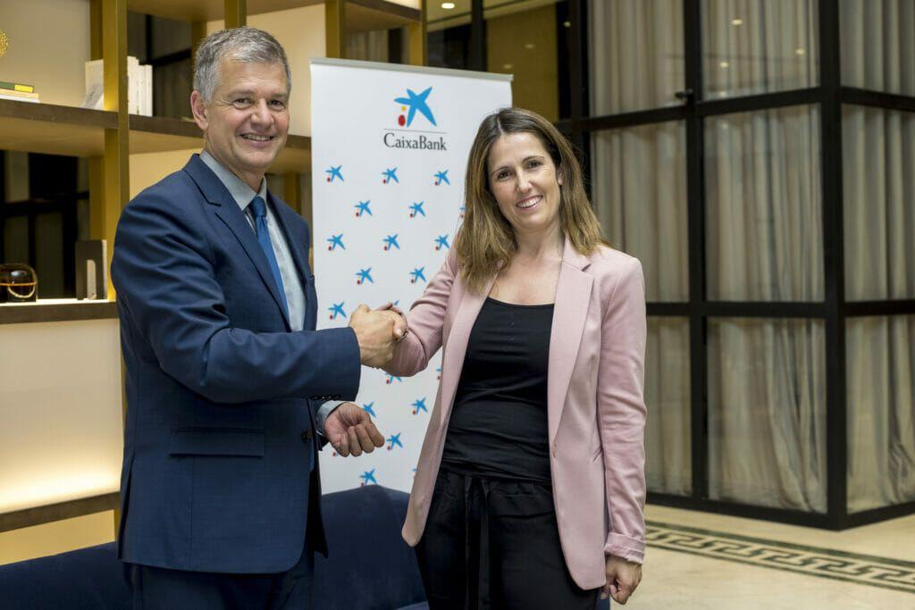 Ángela Pérez (Imegen) con Xicu Costa (CaixaBank).