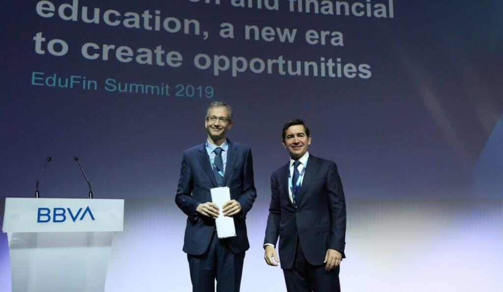 El presidente de BBVA, Carlos Torres, ha participado junto al gobernador del Banco de España en el Edufin Summit 2019.