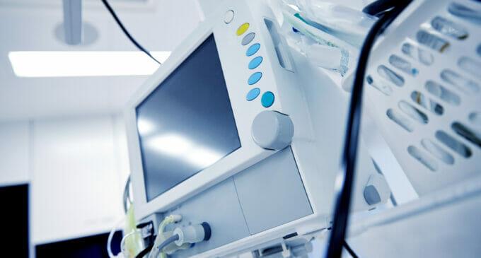 ¿Cuánto deben las CC.AA. a las empresas de tecnología sanitaria?