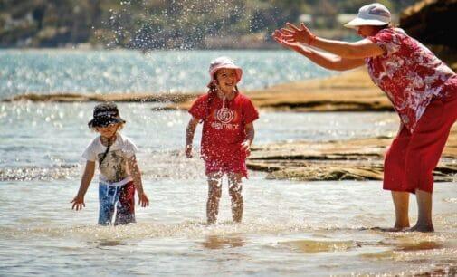 Día de los Abuelos: el cuidado de los nietos les aporta mejoras cognitivas
