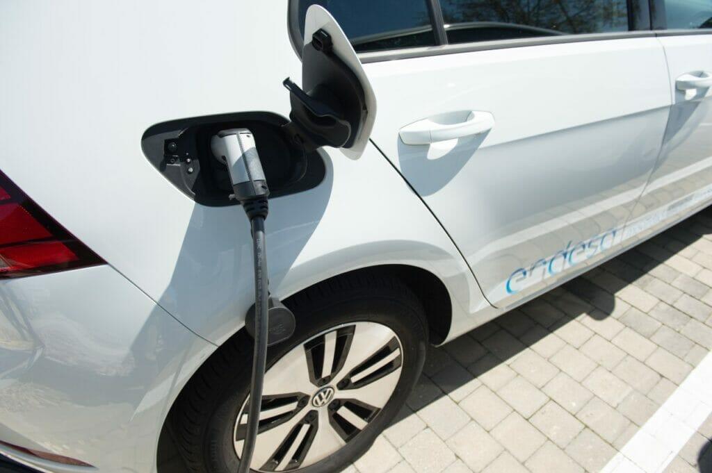 Endesa instalará 106 puntos de carga para las gasolineras Ballenoil.
