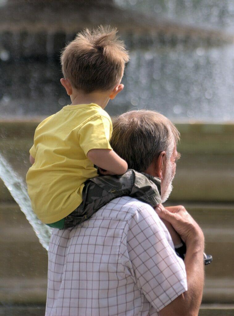 5 beneficios del cuidado de los nietos