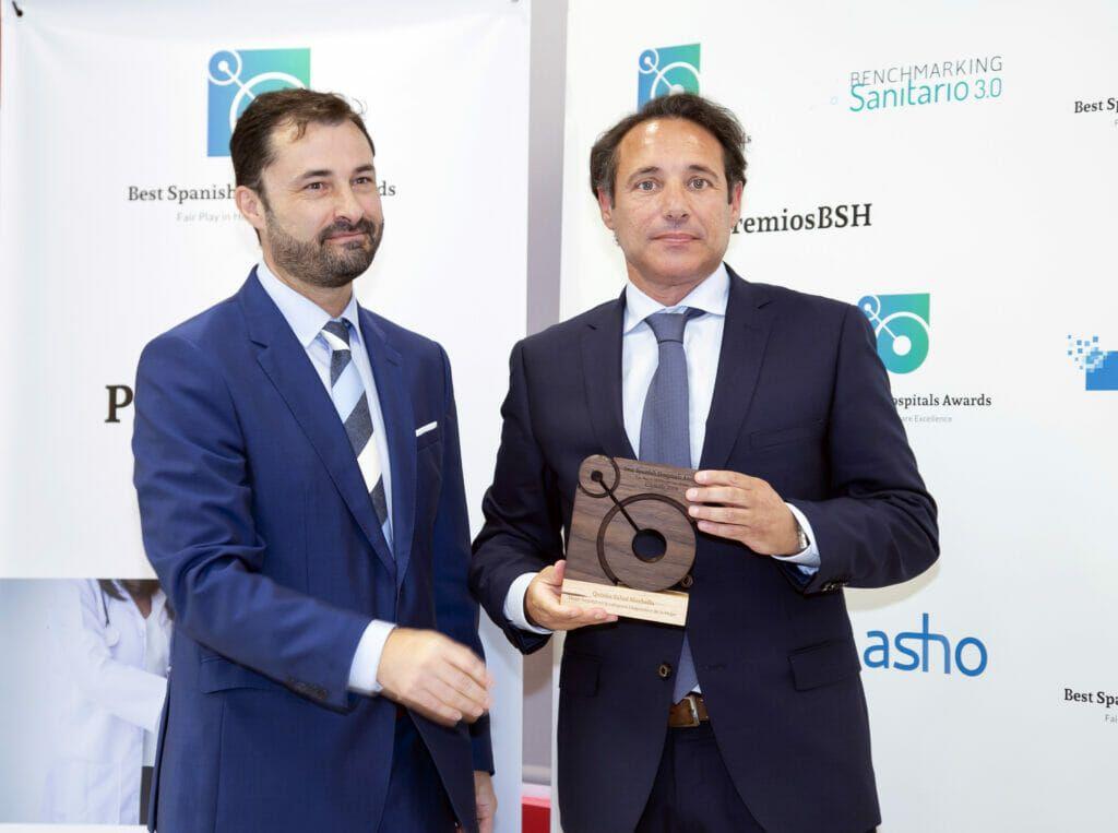 antonio feria Quironsalud Marbella recoge el Premio BSH