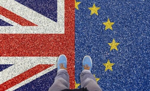 Sigue la incertidumbre con el Brexit: ¿qué derechos tendrán británicos y españoles?
