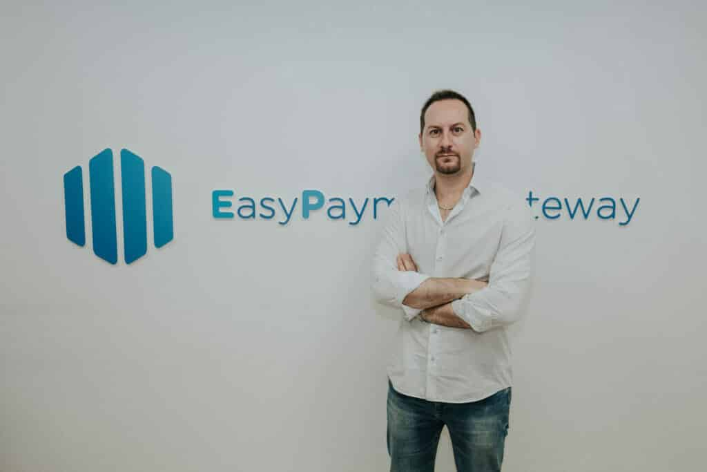 Alex Capurro fundador de Easy Payment Gateway.