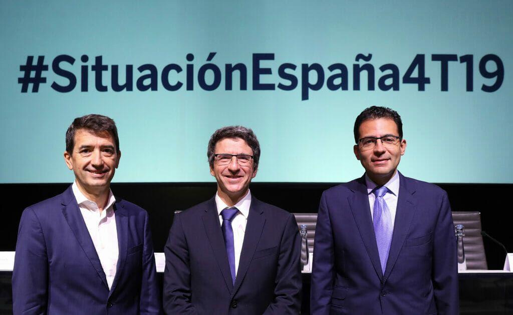 Jorge Sicilia, Rafael Doménech y Miguel Cardoso en la presentación de Situación España 4T19.