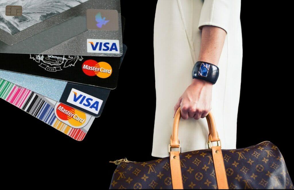 Los pagos con tarjeta y online puede hacer desaparecer el dinero en efectivo.