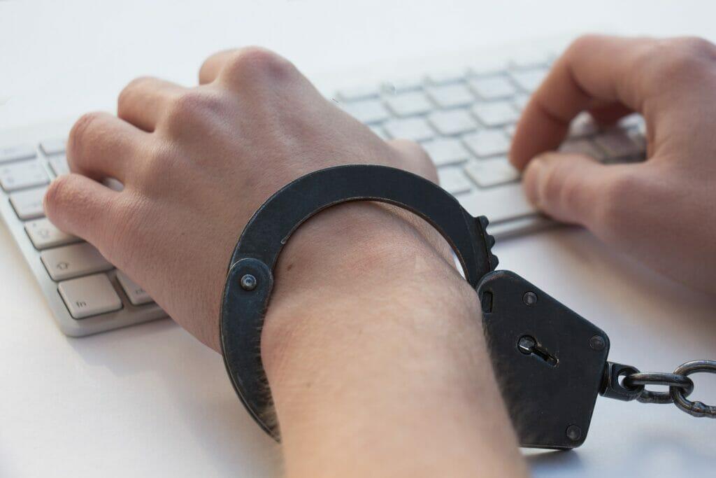 peligros de la adicción a la tecnología.