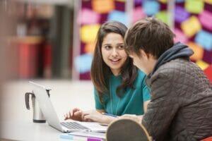 HP recibirá a los estudiantes que llegan a Madrid.