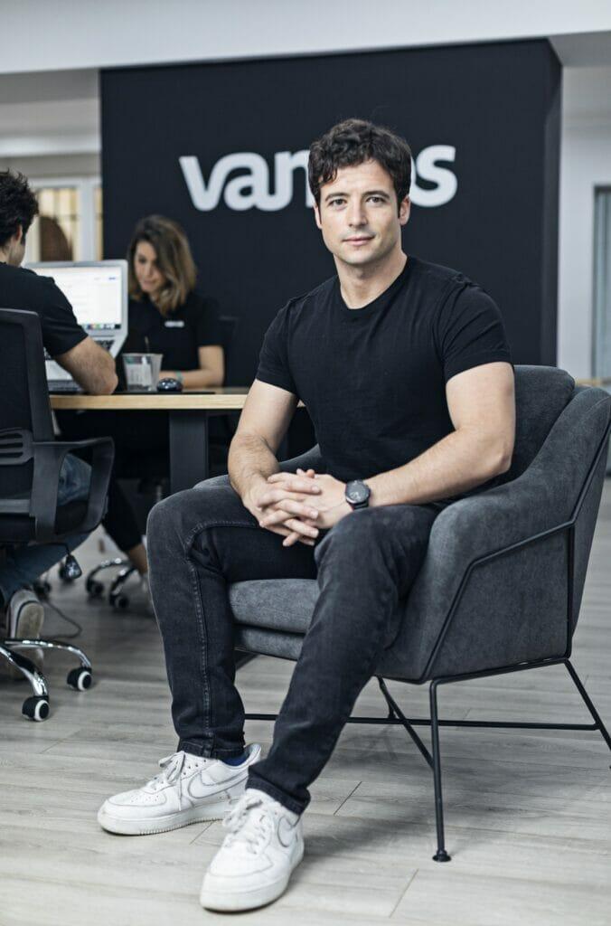 Mario Carranza CEO de Vamos.