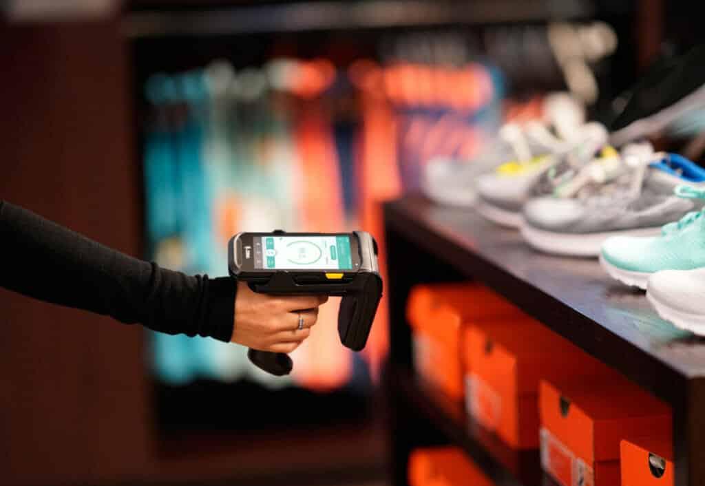Control del inventario en tiendas con TrueVUE.