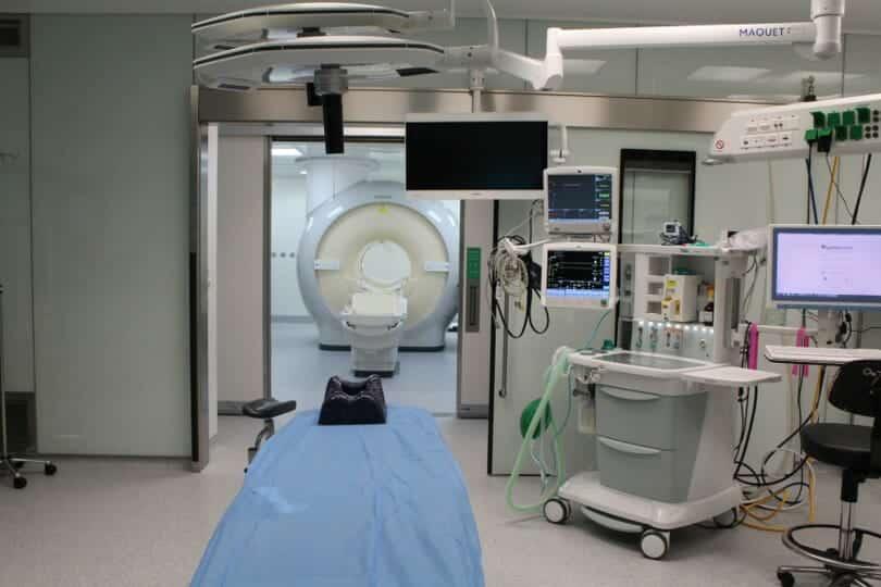 Nuevo bloque quirúrgico de la FJD. Quirófano con RMI de alto campo de la FJD.