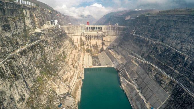 Presa de Xiluodu, China, la tercera más potente del mundo.