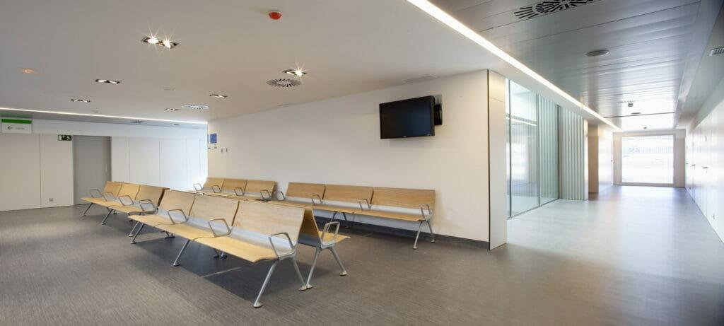 Sala de espera consultas Hospital Universitario Rey Juan Carlos