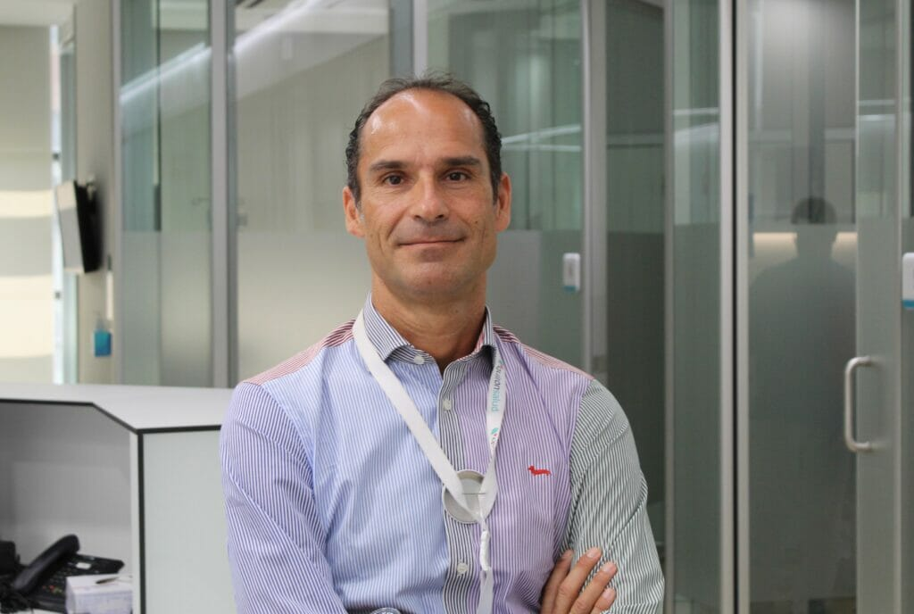 El doctor César Ramírez, jefe del servicio de Cirugía General y Aparato Digestivo del Hospital Quirónsalud Málaga