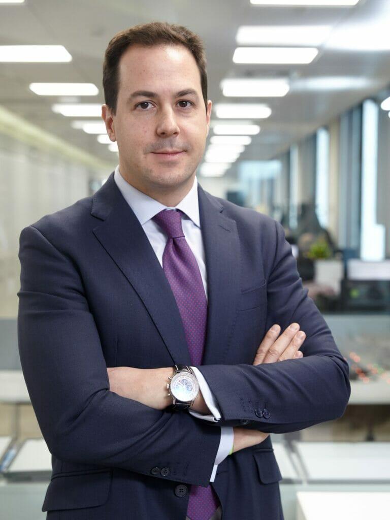 Victor Ugarte, Reale Seguros